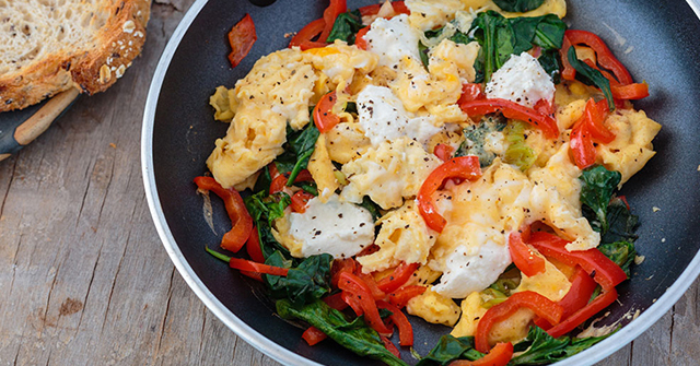 Active8me eat more lose weight scrambled eggs capsicum spinach ricotta