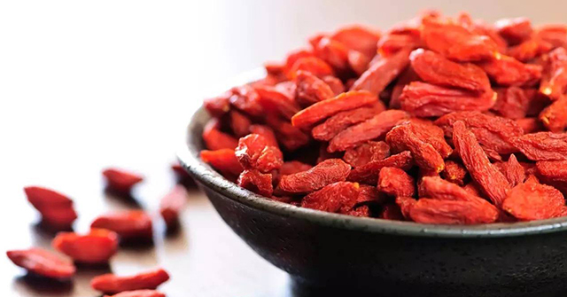 Active8me 5 Awesome Asian Superfoods for a Younger You goji berries