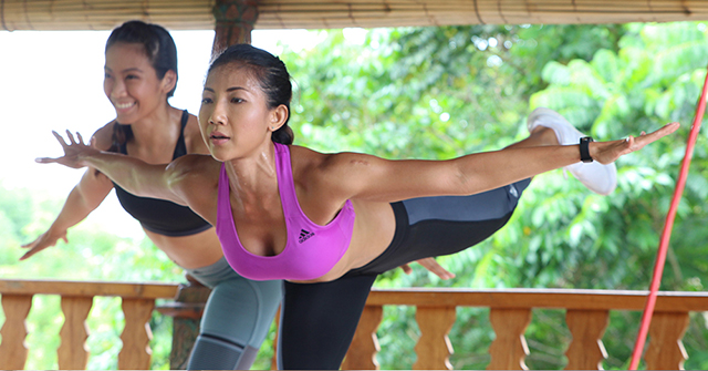 Active8me The Wondrous Benefits of Losing Your Love Handles girls toned working out