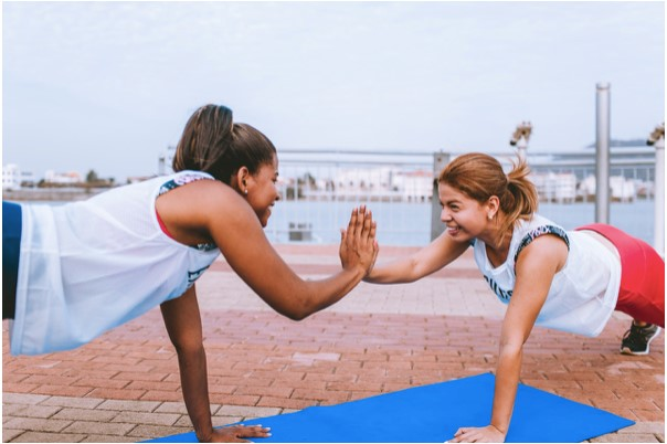 Active8me 6 Ways to Crush the Negativity Around Your Healthy Lifestyle Girls Supporting each other